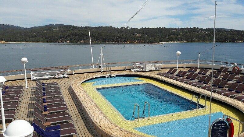 Swimming-Pool auf dem Schiff